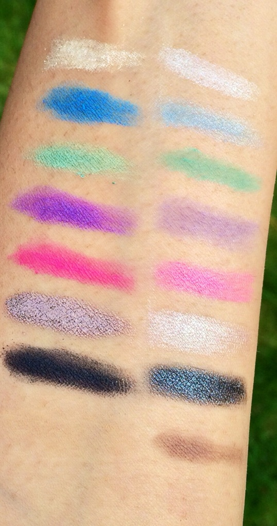 Swatches of MakeUp Revolution eyeshadow palette - Outdoor lighting